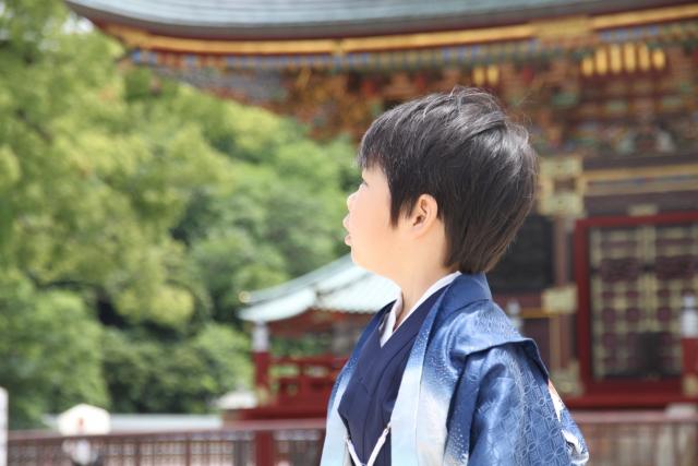七五三はお寺と神社どちらを選ぶ?それぞれの特徴や参拝方法