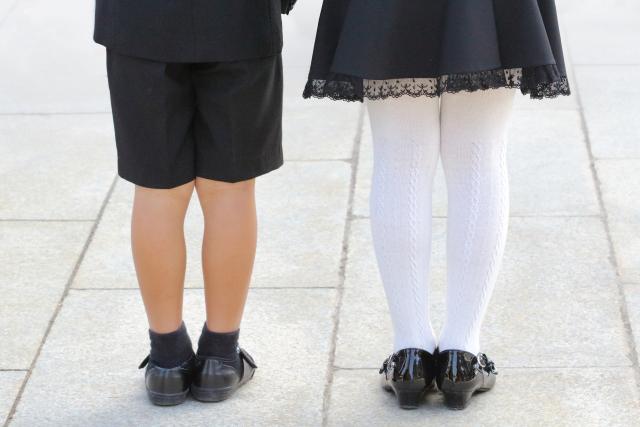 フォーマルな服装の子供