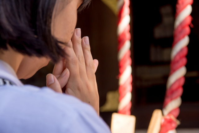 喪中や忌中に初詣は可能?お寺と神社でも違いはあるのか